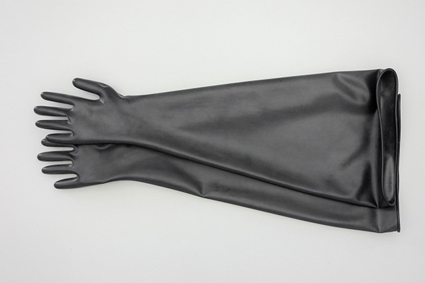 glovebox gloves made of butly available in standard, antistatic or with FDA certificate