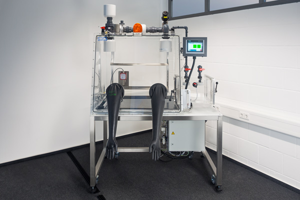 Plastic gloveboxes are applied in biochemical research (Ebola)